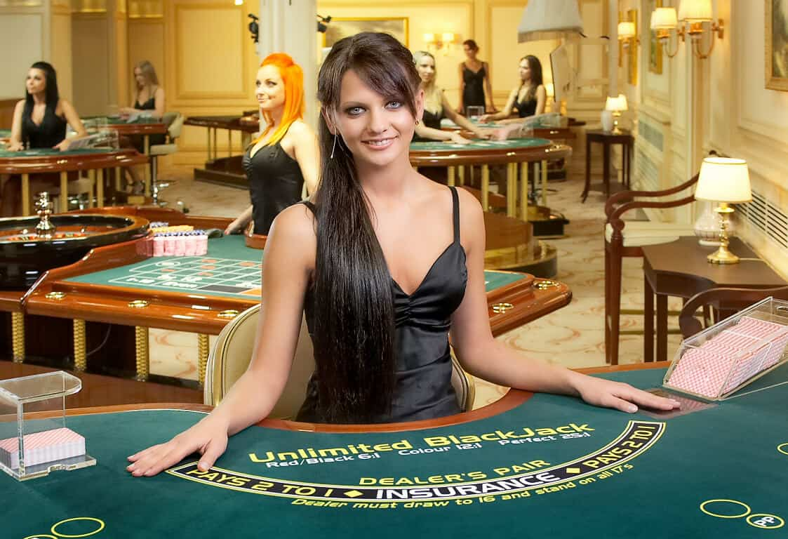 blackjack-casino-dealer